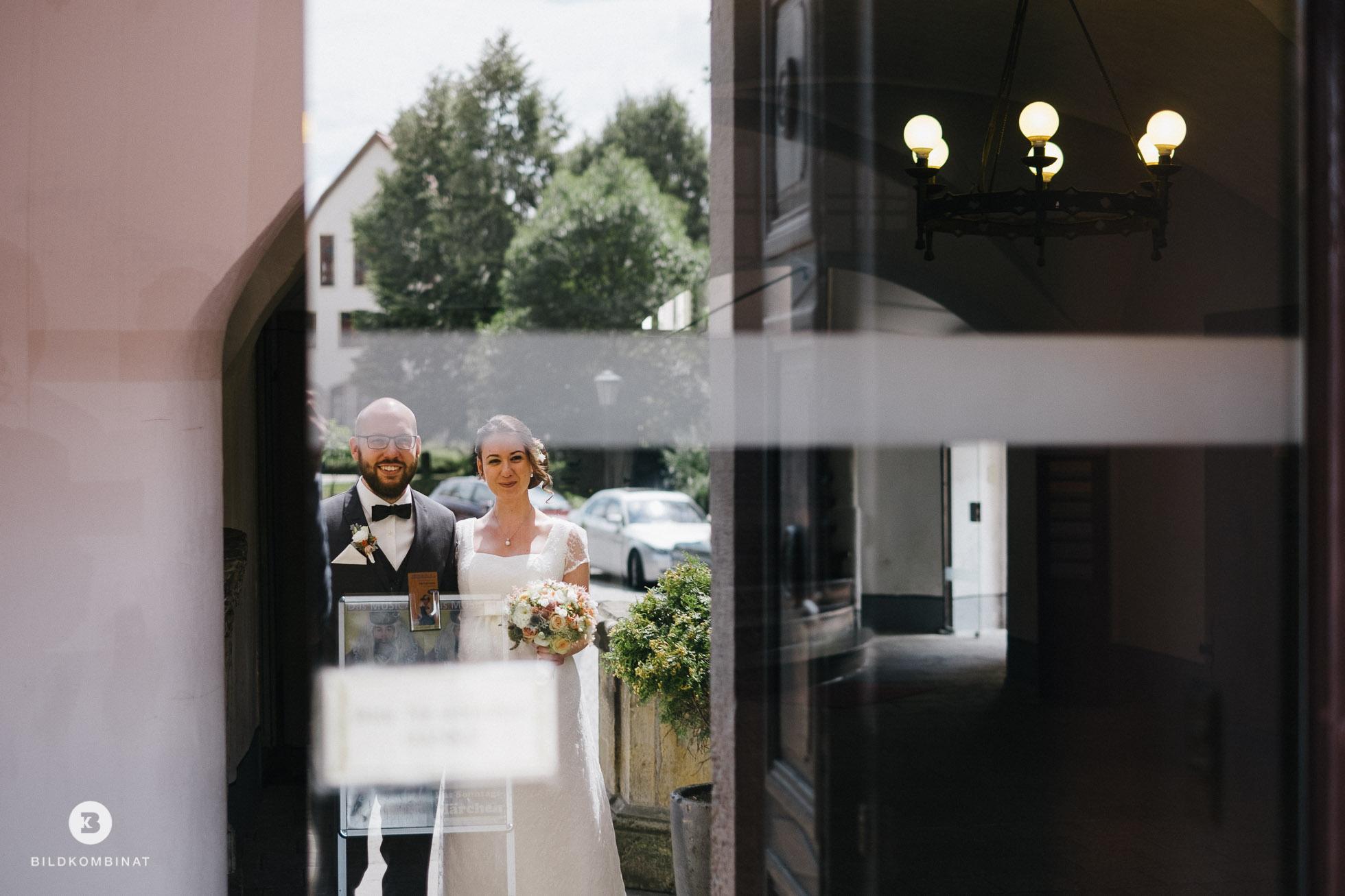Hochzeitspaar am Schloss Machern