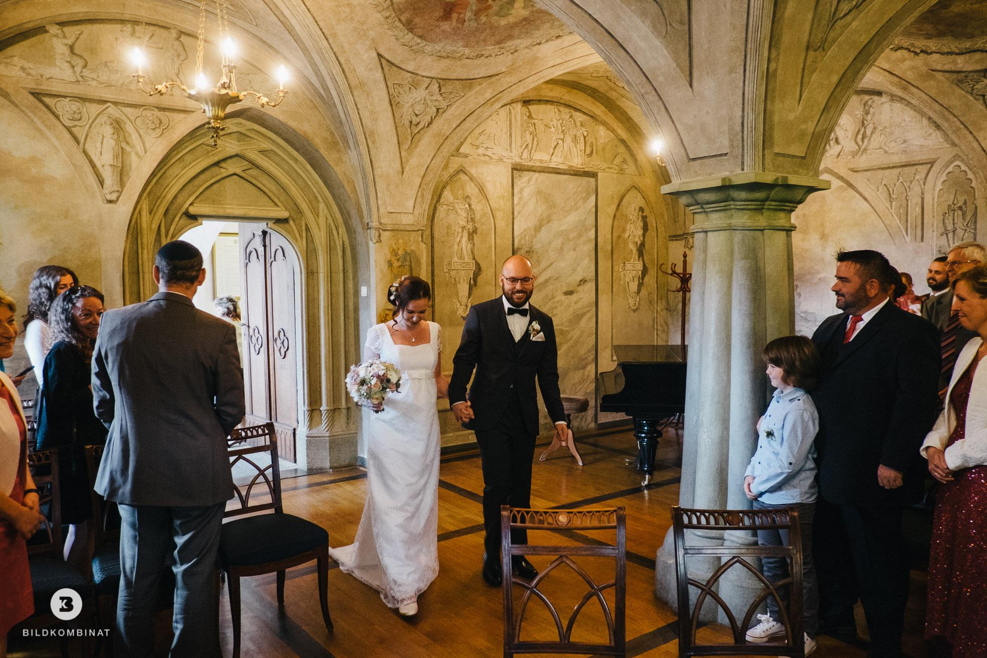 Hochzeitspaar im Trausaal Machern