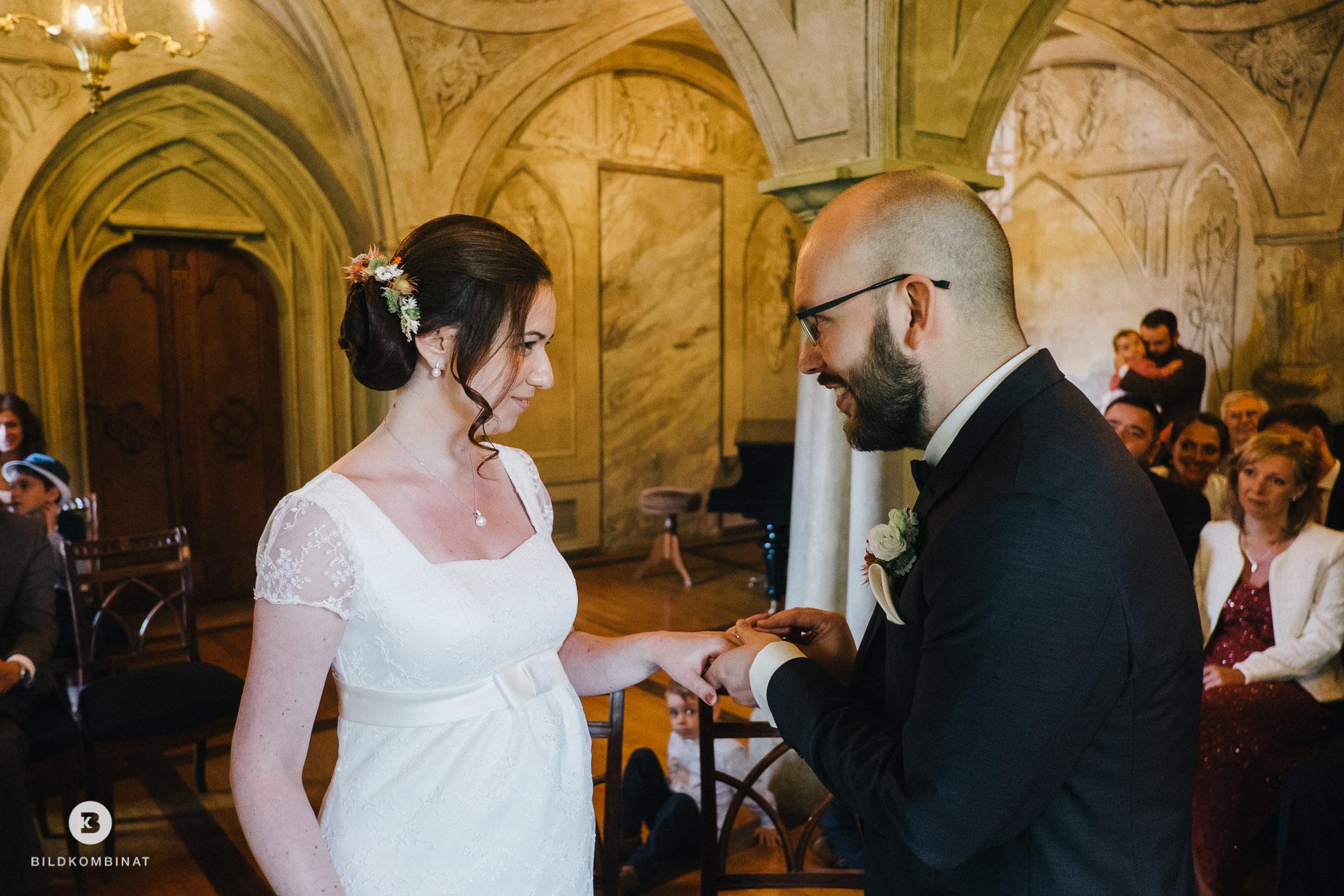Hochzeitsringe im Schloss Machern