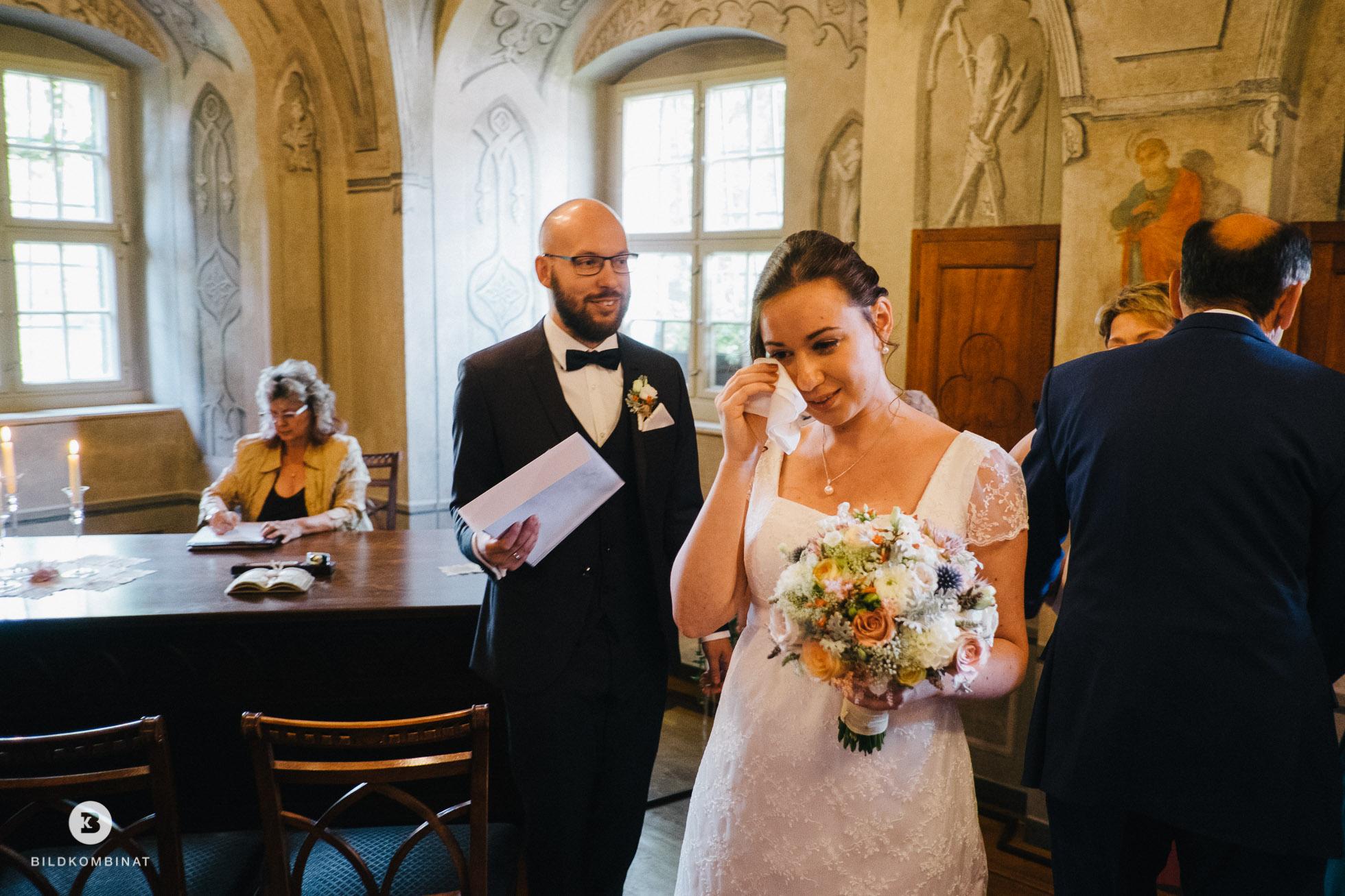 Braut muss weinen