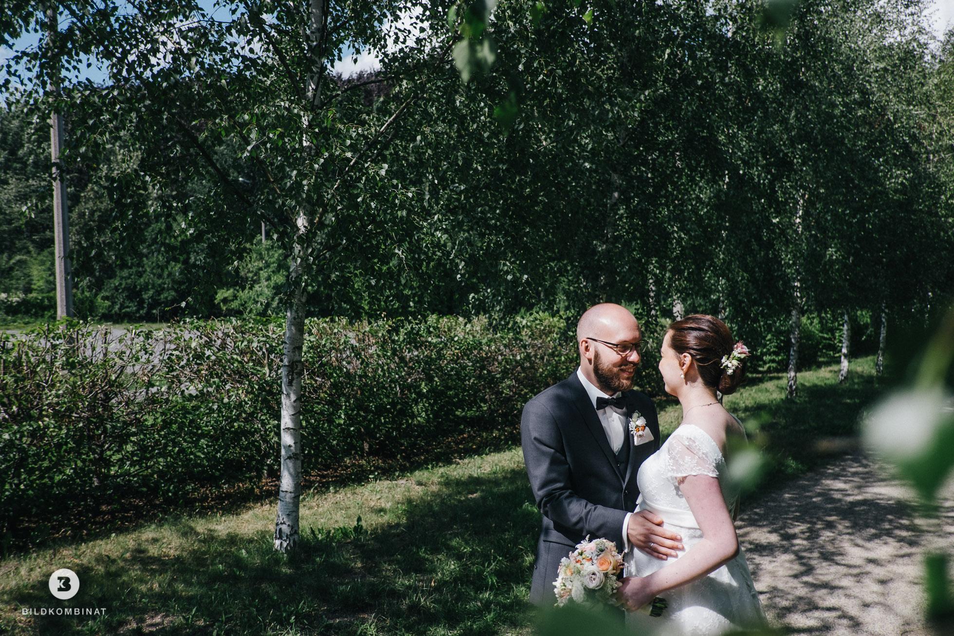 Hochzeitspaar im Schlosspark Machern